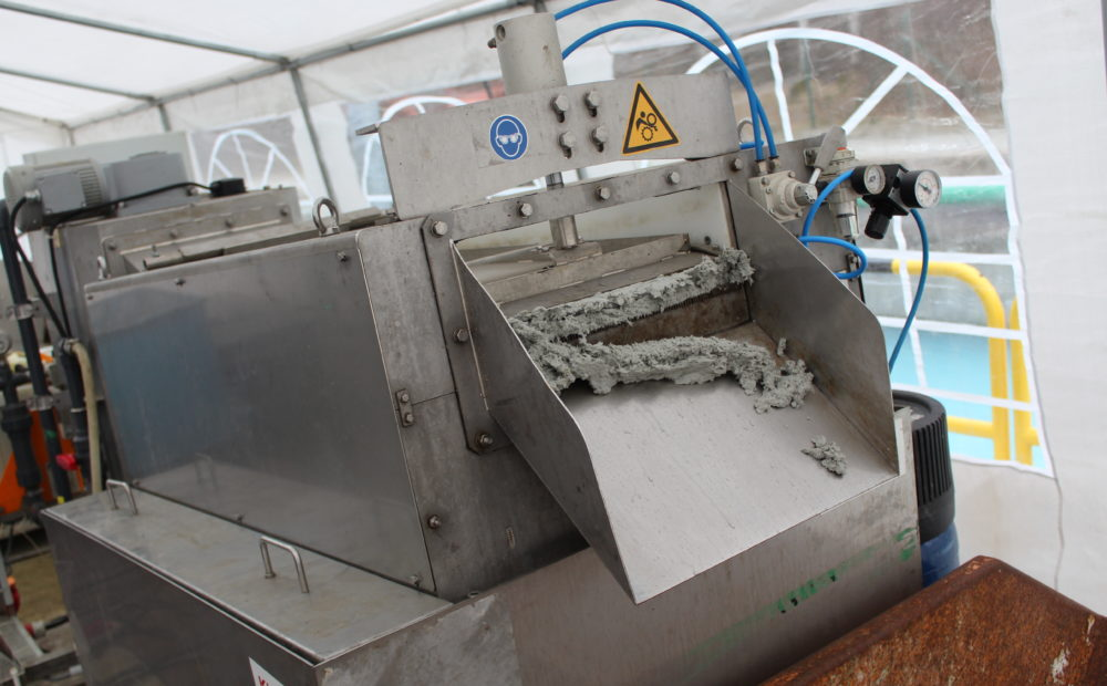 Entwässerung von Schlämmen aus der Papierindustrie